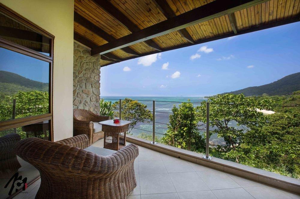 traumhafte seychellen 7 tage im 4 sterne resort coco de. Black Bedroom Furniture Sets. Home Design Ideas